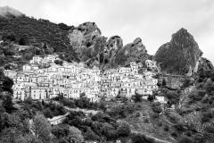 vista di Castelmezzano sulle dolomiti lucane